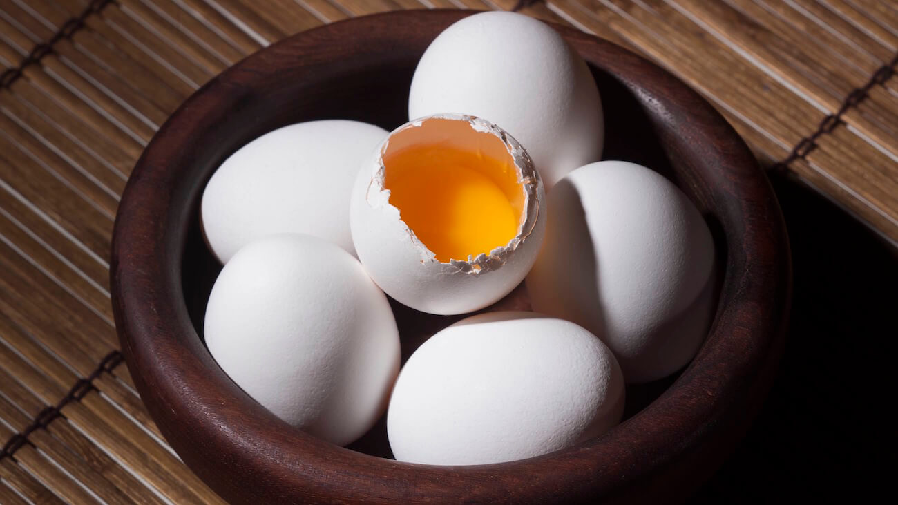 Cage-Free Eggs Vs. Regular Eggs: Who Wins?