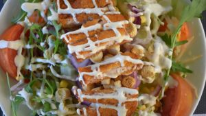 Fried chicken salad calories